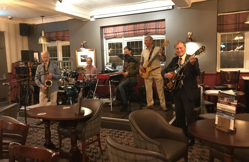 Southend West MP joins in with local Jazz event