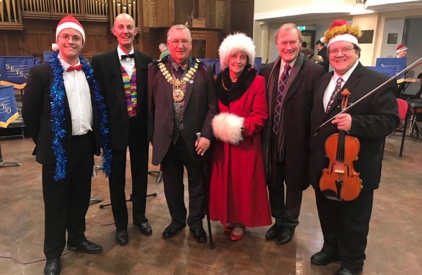 Southend West MP attends South Essex Youth Symphony Orchestra Christmas concert